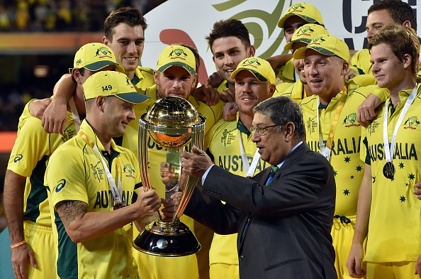 ICC chairman Srinivasan presented the trophy instead of Kamal ©AFP/Getty Images