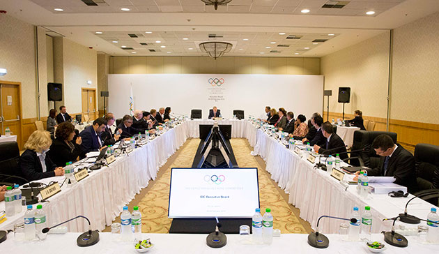 IOC members attending Executive Board meetings receive $900 a day ©IOC