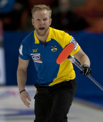 Swedish skip Niklas Edin guided his nation to a play-off place at the Ford World Men's Curling Championship ©WCF