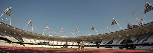 London 2012_Olympic_Stadium_with_Sebastian_Coe_and_Hannah_England_October_3_2011