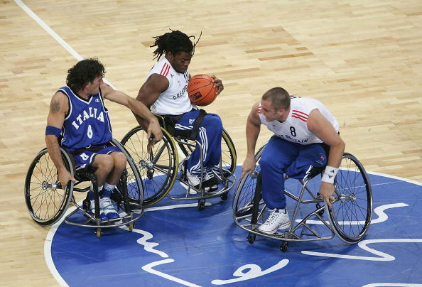 ade_adepitan_in_athens_22-09-11