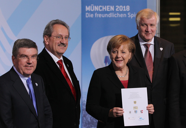 Angela_Merkel_backing_Munich_2018