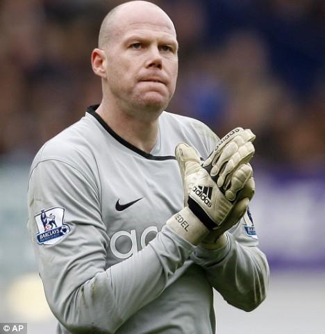 Brad_Friedel_in_Aston_Villa_kit