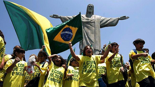 Brazil_fans_celebrating_2014_World_Cup