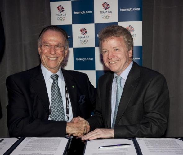 Carlos_Nuzman_signs_agreement_with_Colin_Moynihan_London_April_6_2011