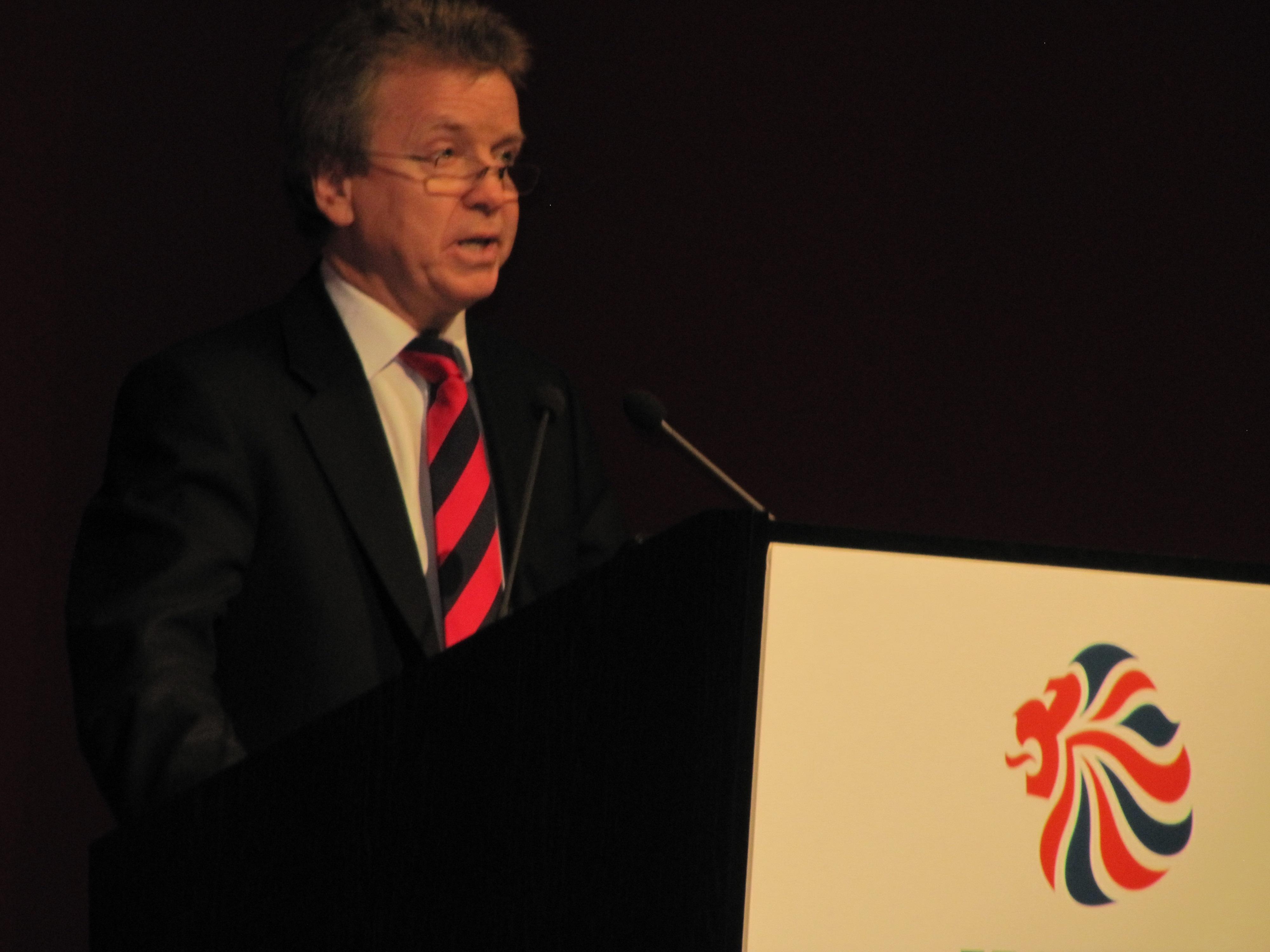 Colin_Moynihan_at_BOA_press_conference_March_28_2011