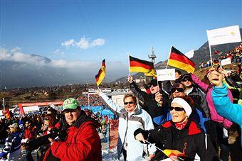 Garmisch_crowds_World_Championships_February_2011