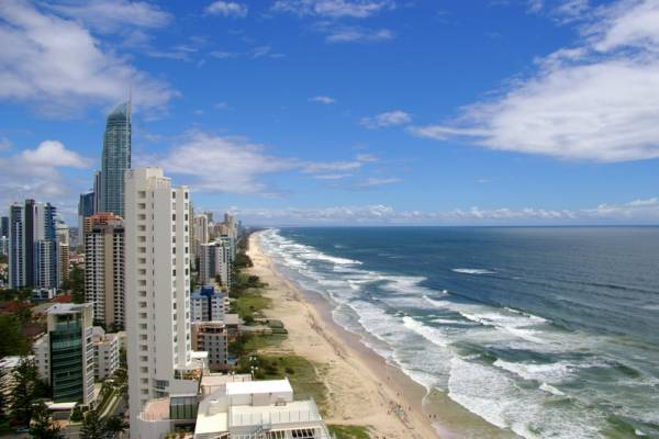 Gold_Coast_Surfers_Paradise