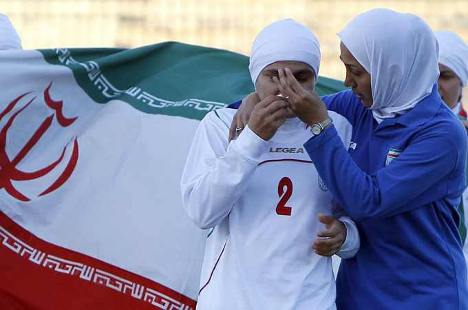 Iran_footballer_in_tears_after_hijab_ban_Amman_Jordan_3_2011