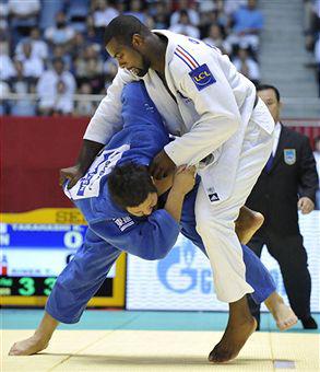 Judo_throw_2