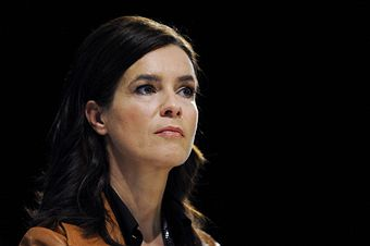 Katarina_Witt_in_Barcelona_at_conference_March_10_2