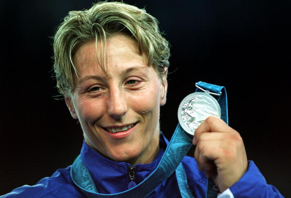 Kate_Howey_with_silver_medal_Sydney_2000