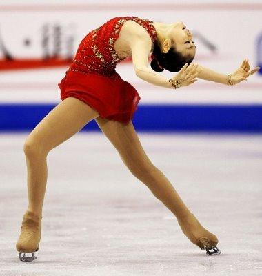 Kim_Yu_Na_doing_routine