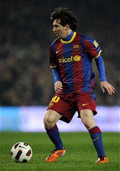 Lionel_Messi_v_Atletico_Madrid_February_5_2011