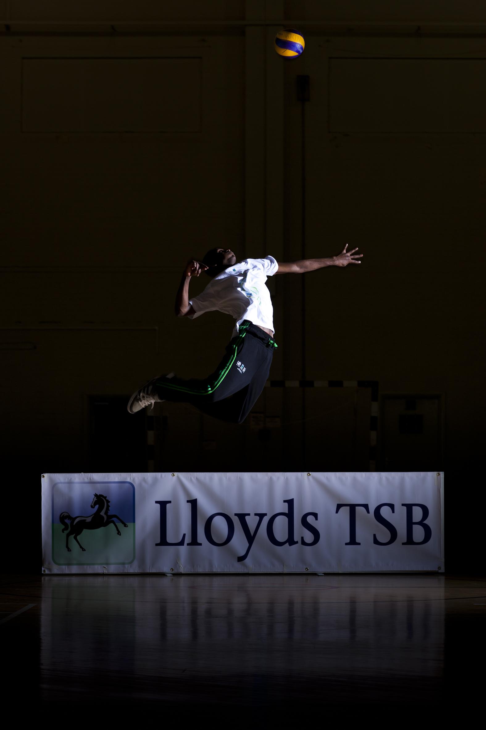 Lloyds_TSB_with_badminton_player