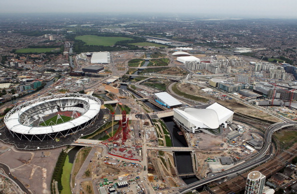 London_2012_Olympic_Stadium_from_air_July_26_2011