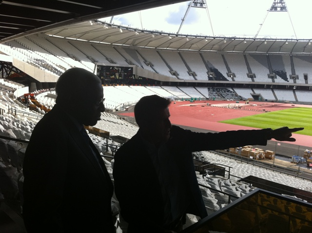 London_2012_Olympic_Stadium_with_Sebastian_Coe_and_Lamine_Diack_August_5_2011