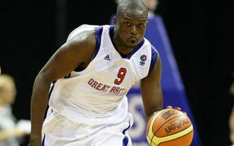 Luol_Deng_playing_for_Team_GB