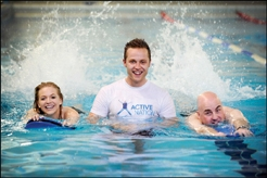 Miss_Scotland_swimming_as_part_of_Glasgow_2014_event