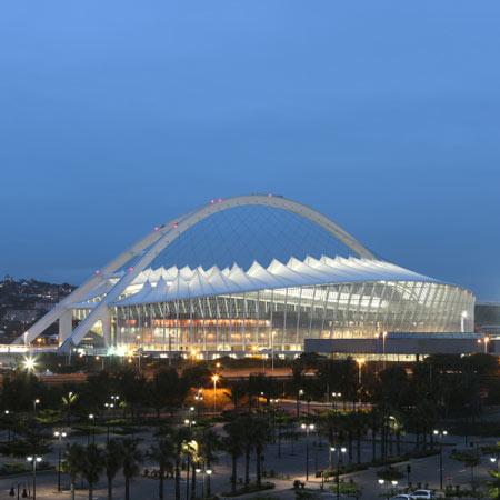 Moses_Mabhida_Stadium_stadium_lit_up