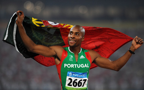 Nelson_vora_with_Portugal_flag_in_Beijing_2008