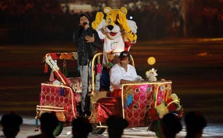 New_Delhi_mascot_being_driven_around_in_car