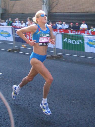Paula_Radcliffe_in_2005_London_Marathon