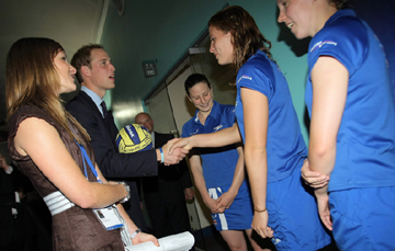 Prince_William_meets_Britains_water_polo_team