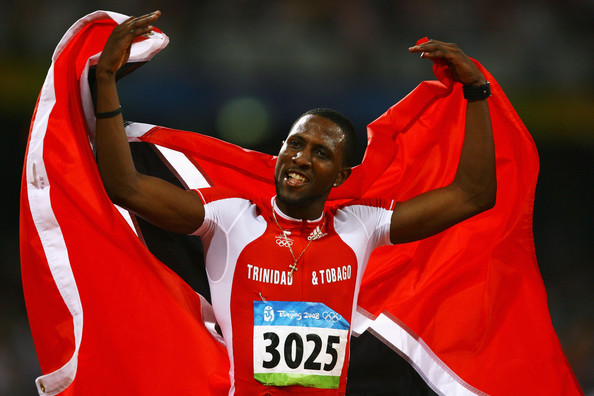 Richard_Thompson_celebrates_medal_in_Beijing