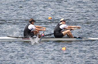 Rowing_action_from_Lake_Karapiro_November_2010