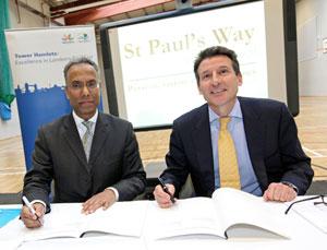 Sebastian_Coe_signs_deal_with_Lutfur_Rahman_February_16_2011