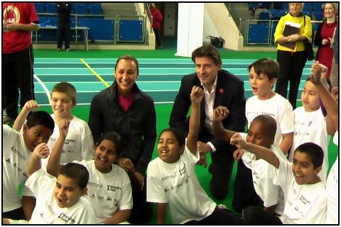 Sebastian_Coe_with_Jessica_Ennis_and_schoolchildren