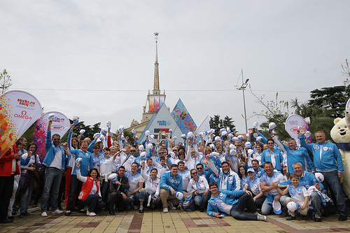 Sochi_2014_team_in_front_of_countdown_clock_May_14_2011