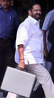 Suresh_Kalmadi_before_arrest_Delhi_April_25_2011