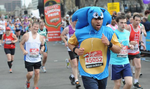 Virgin_London_Marathon_fancy_dress_runners