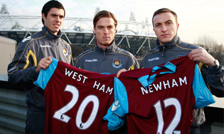West_Ham_players_delvier_their_bid_for_Olympic_Stadium_January_21_2011