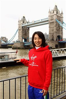 Yukiko_Akaba_at_London_Marathon_press_conference_April_11_2011