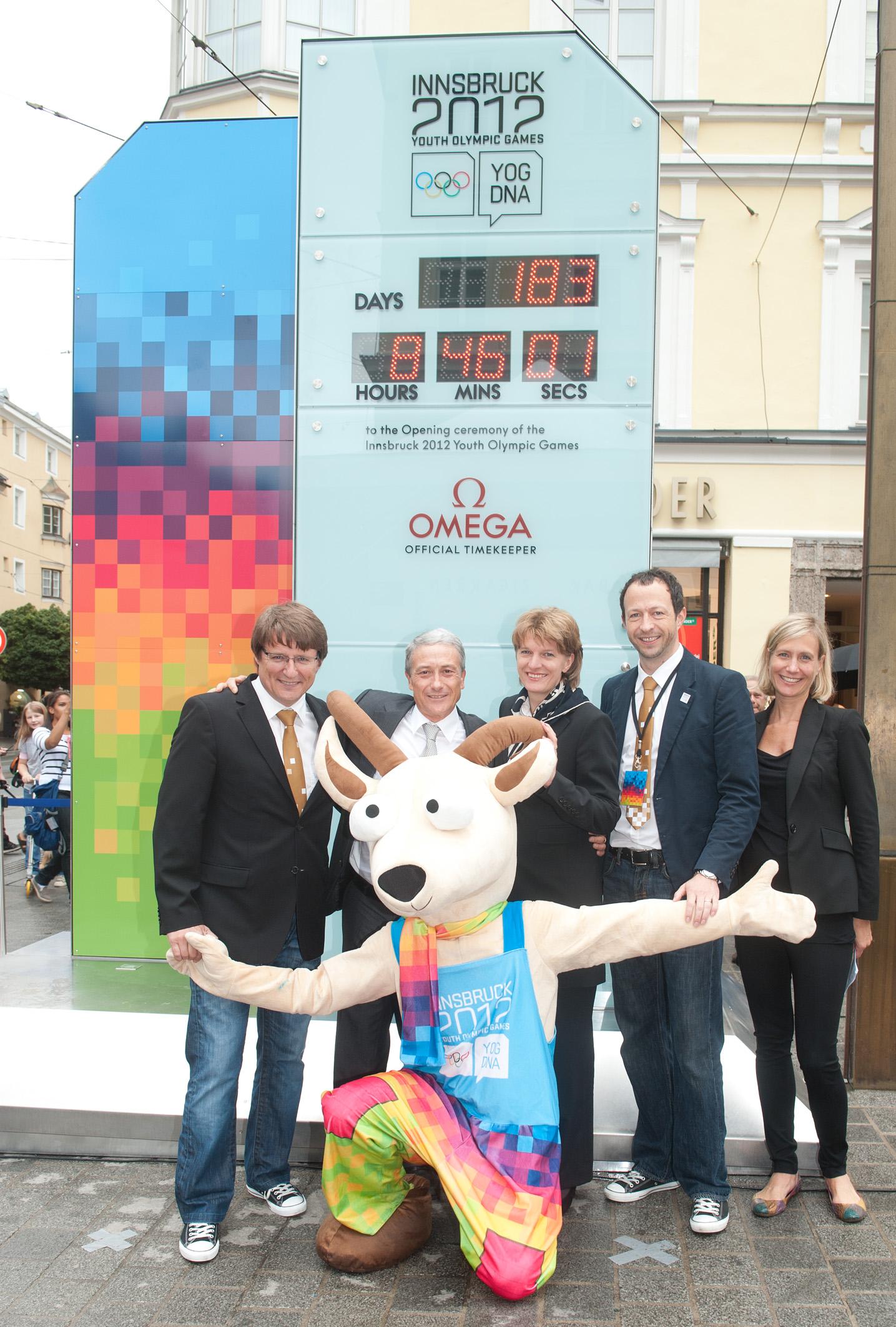 innsbruck_2012_winter_youth_olympics_clock_14-07-11